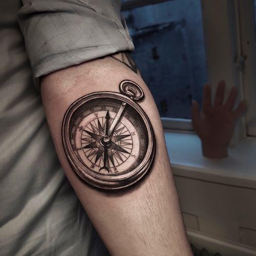 #tattoocompass #compass #compasstattoo #compassdesigns #armtattoo #tattoooftheday #tattoodo #wip