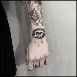 #totemica #tunguska #black #crying #eye #fineline #hand #tattoo #blackworkers #redcouchtattoo