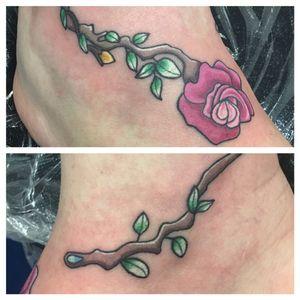 Flower tattoo #flowertattoo #rosetattoo #ankletattoo #cutetattoo #prettytattoo #neotradtattoo