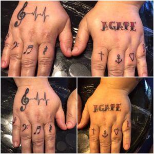Hand jams i did today. #tattoo #handtattoo #fingertattoos #musictattoo #lovetattoos