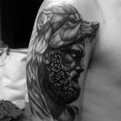 Half sleeve done by Oathe at GALLERY TWENTY ONE #god #wolf #greekgod #hercules #halfsleeve #blackandgrey #statue