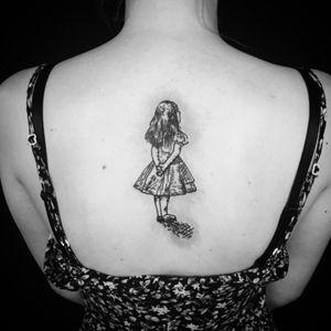 #alice #AliceinWonderlandtattoo #sketch #sketchtattoo #illustration #bodyart