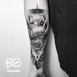 By RO. Robert Pavez • Rose & Old Ship • Studio Nice Tattoo • Stockholm - Sweden 2017 • #engraving #dotwork #etching #dot #linework #geometric #ro #blackwork #blackworktattoo #blackandgrey #black #tattoo #fineline #rosetattoo #shiptattoo