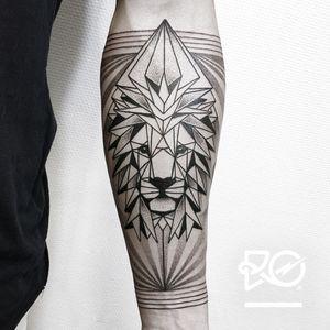 By RO. Robert Pavez • Lion IV • Studio Nice Tattoo • Stockholm - Sweden 2016 • Please! Don't copy® • #engraving #dotwork #etching #dot #linework #geometric #ro #blackwork #blackworktattoo #blackandgrey #black #tattoo