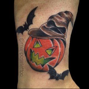 Trabalho realizado no Halloween,muito obrigada por confiar no meu trabalho 😊 #tattooart #halloween #halloweentattoo #abobora #harrypotter #harrypottertattoo #inkedgirls #tattooartistgirl #tattooist #SP #zonasul #pumpkin #pumpkintattoo #bruja #color #tattoo2me #saopaulotattoo #tatuagem #diadasbruxas