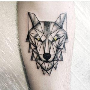#soyfeliztattoo#geometric #wolf