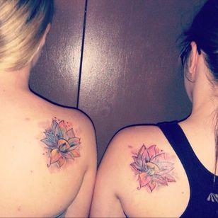 #lotusflower #lotus #backtattoo #bestfriend #bestfriendtattoo #watercolor #watercolortattoo #colorful #colorfultattoo