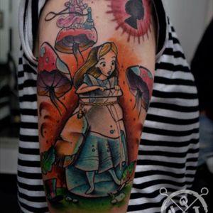 #AliceinWonderlandtattoo #AliceinWonderland #alice #quitox #tattoo #tatuaje #tatuajes