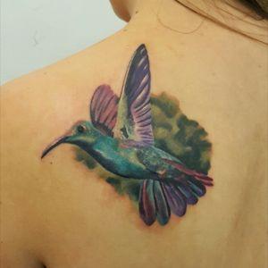 #hummingbird #hummingbirdtattoo #coveruptattoo #birdtattoo #colourtattoo #tattoooftheday