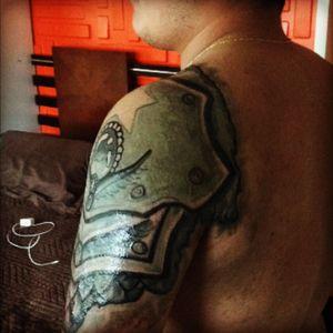 Tatuaje a un pana #armadura@armadura