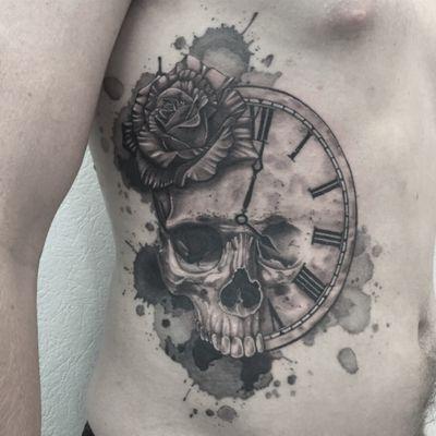 #skulltattoo #skull #clocktattoo #clock #skullandclocktattoo #skullandclock #rosetattoo #rose #cranetattoo #crane #horlogetattoo #blackandgrey #blackandwhite #blackandgreytattoo #blackandwhitetattoo #mentattoo #sidetattoo #tattoodo #aquarelletattoo #watercolortattoo #aquarelle #watercolor #dot #dots #dotwork #dottattoo #dotworktattoo #stipple #stippletattoo #lespetitspointsdefanny #tattoolausanne #welove