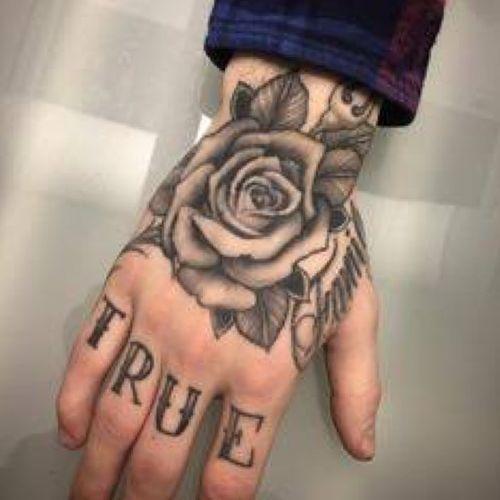 #hand #handtattoo #flower