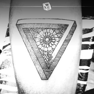 No.38 Penrose Triangle #tattoo #eternalink #penrosetriangle #bylazlodasilva