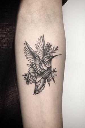 Hummingbird. #hummingbird #hummingbirdtattoo #Miniature #linework #blackandgrey