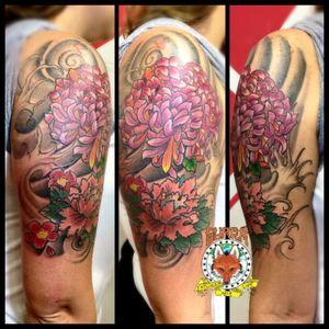 #GuaraTatuagem #GuaraTatuagemBarra #RicardoMarinho13 #GTAC #DezCinquentaeCinco #MastersInk #Freehand #colortattoo #oriental #peony #lotus #crisantemo