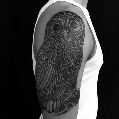 Owl cover up #dots #owl #coverup #blackwork #tattoosbyrodrigocanteras