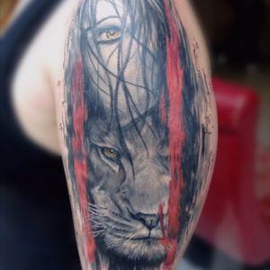 Eye's savage #woman #lion_tattoo #lion #realisimtattoo #realisitictattoo #vinztattooer