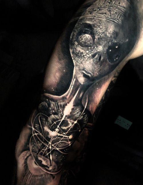 #Alien progress #tattoo #tattoos #tattooartist #BishopRotary #BishopBrigade #BlackandGreytattoo #QuantumInk #ImmortalAlliance #SullenClothing #SullenArtCollective #Sullen #SullenFamily #TogetherWeRise #ArronRaw #RawTattoo #TattooLand #InkedMag #Inksav#BlackandGraytattoo #tattoodoapp #tattoodo