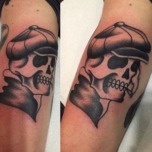 #blackwork #traditional #skull #swollen