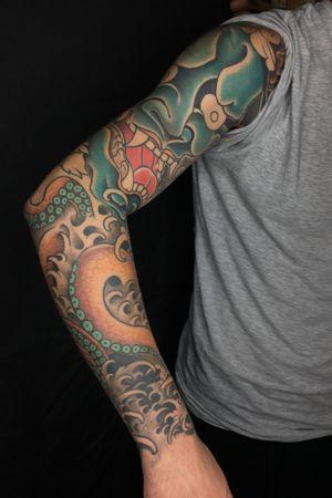 @skullandbones_rome @augustodefilippo viale dei quattro venti 255(Rome)for appointments 3405611079 or Please email me sbtattooshop@gmail.com/open 11:00/20:00 #orientaltattoo #japanesetattoo #traditionaljapanese #pickoftheday #tattoos #topclasstattooing #thebestattooartists #classictattoos #oldlines #oldschooltattoo #tattoolife #tattoo artist mag #tattooartist #nopainnogain #boldwillhold #roma #tatuaggio #tatuatoriitaliani #italiantattooartist #italiantattoo #bestirezumi #irezumism #classictattoos #Asian_inkandart #nara #details #ukiyoe