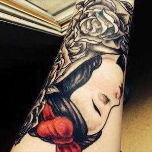Snow White #tattoo #halfsleeve #snowwhite #disney #disneyprincess #blackandgrey #redlips tattoo by #Jzink #france