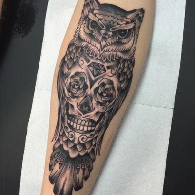 3.5 hour Sugar skull and owl tattoo by James deakin at Illuminati Tattoo Parlour Oldbury Birmingham UK #blackandgrey #owl #skull #sugarskull #roses #diamond #skullandowl