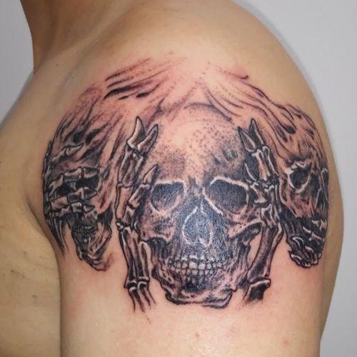 #skeleton #skeletontattoo #shouldertattoo