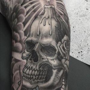 Finished recently,done by @chrisgarver #skull #skulltattoo #tradiitonaltattoo #blackandgreytattoo #chrisgarver