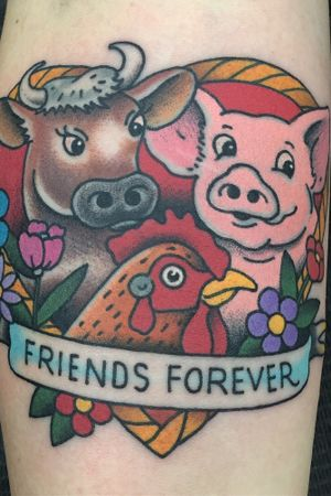Friends forever! #vegantattoo #hearttattoo #traditionaltatoo #nytattooers #nyadorned #josechalarca