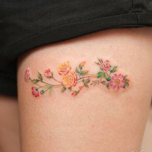 flower band :) #flowertattoo #bandtattoo #smalltattoo #watercolor