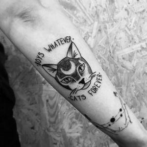 Gatinho! #cat #catlover #blackcat #blackworktattoo #blackwork #BlackworkTattoos #fullblack