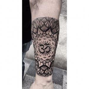 #orsimolnar  #tattoo #budapesttattoo #mandala #floralmandalatattoo