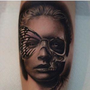 #joseecd #portrait #butterfly #skull