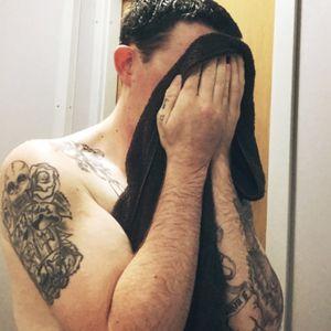 Cold and rainy? Shower time! #TalkToMe! #CoatOfArms #ChestPiece #PirateSleeve #Shower #Rain #Cold #SleeveInProgress #Bored #TattooedDude #Tattooedmen #guyswithtattoos