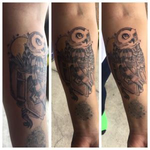 Owl #owltattoo #harrypottertattoo #hogwarts #tattooartist #tattoo #lasvegasartist #hedwig #owltattoos #blackandgrey #blancoynegro
