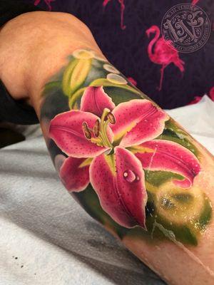 A stargazer lily I tattooed at @BombshellTattooGalerie in #edmonton #tattoo #tattoos #ink #inked #inkedup #tattooartist #tattooideas #tattooidea #amazingtattoo #amazingtattoos #crazytattoos #besttattoos #inkedgirls #amazingart #rose #rosetattoo #rosetattoos #floraltattoos #flowertattoo #edmontontattoo #yegtattoo #tatuagem #tatuaje #tattoodoambassador #tattoooftheday #realismtattoo #painterly #vintage #vintagebotanical #botanical #bombshelltattoo #canadiantattoo #stargazer #lilytattoo #stargazerlily #stargazertattoo #lillium #floraltattoos