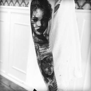 #sleeve #portrait #story #lion