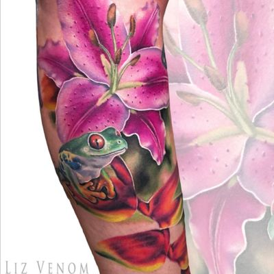 Frog and lily tattoo I did at Leviathan Tattoo gallery in Melbourne #lizvenom #lily #frog #color #colour #colourful #colorful #feminine #floral #animals #flowers #girlie #girly #treefrog #realism #lillies #pink