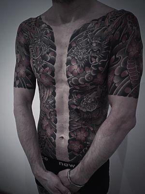Munewari #btattooing #blackboldsociety #blacktoptattooing #BLXCKINK #oldlines #tattoosandflash #darkartists #tattoosandflash #topclasstattooing #darkartists #thebesttattooartist #japanesetattoos #irezumitattoo #horimono #tatuaggiogiapponese #orientaltattoos #irezumcolletctive #waterlawtattoobutter #tattoodo #tattoodoambassador