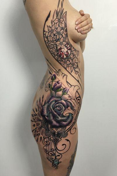 Full side piece, great fun doing this one!! 💎🌹#thescientist #travellingtattooist #ornamentaltattoo #jeweltattoo #gemtattoo #rose #jewel #ornamental #ornate #blackwork #dotwork #realism #hennism #floraltattoo #tattoodo #tattoodoapp #tattoo #ink #inkedgirls #tattooedgirls #tattoooftheday #amazingtattoos #tatouage #tatuaje #tatuagem #ryansmithtattooist #tattooartist