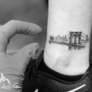 Minimum Brooklyn bridge skyline.                #brooklynbridge #Manhattan  #skylinetattoo #minimumtattoo