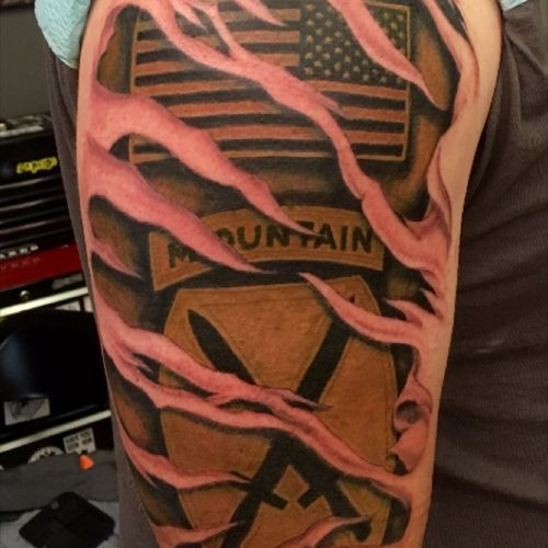 Custom #Military patches shoulder piece. #color #colorrealism #USArmy #armytattoo #armytattoo #flag #flagtattoo #unitpatch
