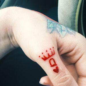 Q❤️ #QueenOfHearts #Tattoo #BFFtattoo #Queen #Hand