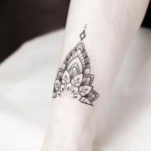 Mandala anklet for Samantha, thank you 💜✨  _________ #rachainsworth #mandala #ankletattoo #mehndi #blackwork #blackink #dotwork #tattoo