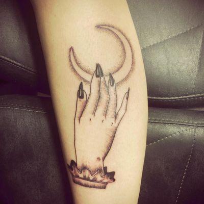 #moon #hand #magical #witch #blackwork #jessikatatts #lyon #tattooartist