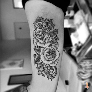Nº229 Roses of Rebirth #tattoo #ink #rose #rosetattoo #roses #rosestattoo #flower #flowertattoo #leafs #natural #ornamental #ornaments #eternalink #cheyennehawkpen #rebirth #bylazlodasilva