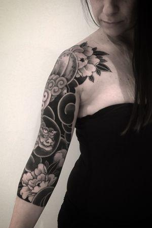 Shishi dog #btattooing #blackboldsociety #blacktoptattooing #BLXCKINK #oldlines #tattoosandflash #darkartists #tattoosandflash #topclasstattooing #darkartists #thebesttattooartist #japanesetattoos #irezumitattoo #horimono #tatuaggiogiapponese #orientaltattoos #irezumcolletctive #waterlawtattoobutter #tattoodo #tattoodoambassador