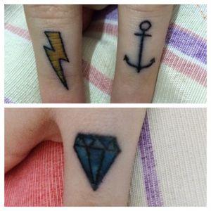 Diamante, raio e âncora
