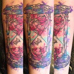#sandtimertattoo #sandtimer #tattoo #TattooGirl #tattooist #tattooart #tattooartist #tattooidea #watercolourtattoo #watercolor #splash #colorful #turaniumtattoomachine