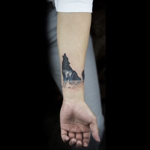 Beautiful nature inspired tattoo by soltattoo #wolf #nature #blue #graphic #abstract #soltattoo